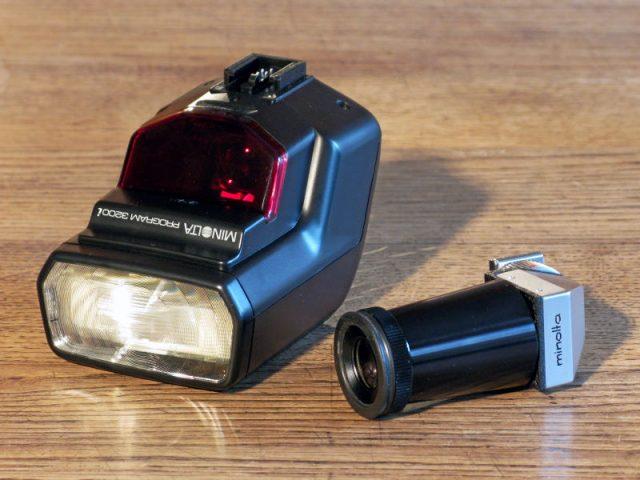 Minolta Auto-Flash 3200i & Minolta Viewfinder AVF V